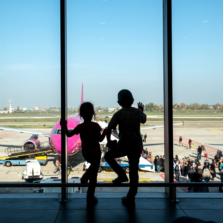 how to find cheapest flight anywhere - flying with kids